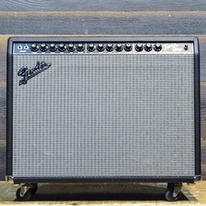 FENDER TWIN-AMP PRO TUBE 100 / 25-WATT 2X12 AVEC FOOTSWITCH #LO-626233