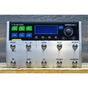 TC-HELICON VOICELIVE 3 VOCAL FX + GUITAR FX + MULTI LOOPER MULTI-EFFECTS