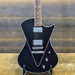 ERNIE BALL MUSIC MAN ARMADA V-SHAPED MAPLE TOP BLACK AVEC ÉTUI RIGIDE #N00598