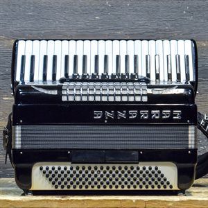 MARRAZZA ACCORDION 120-BASS 41-KEY 7-TREBLE SWITCH BLACK AVEC ÉTUI SOUPLE #920