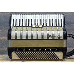 HOHNER MARCHESA 120-BASS 41-KEY 3-TREBLE SWITCH BLACK AVEC ÉTUI RIGIDE