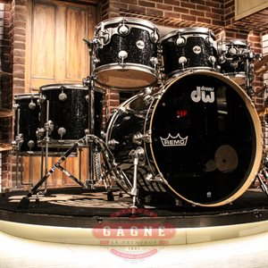 DW COLLECTOR SERIE BLACK ICE 6PCS + SNARE (8X10 9X12 12X14 10X13 14X16 18X22 + SNARE  6.5X14)
