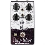EARTHQUAKER DEVICES NIGHT WIRE HARMONIC TREMOLO V2