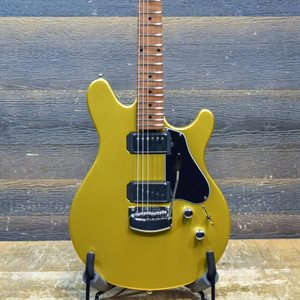 ERNIE BALL MUSIC MAN VALENTINE TREMOLO SATURN GOLD AVEC ÉTUI RIGIDE #G94866